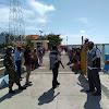 Personel TNI-Polri Kecamatan Ra'as Kampanyekan Bahaya Covid-19 di Pelabuhan Brakas