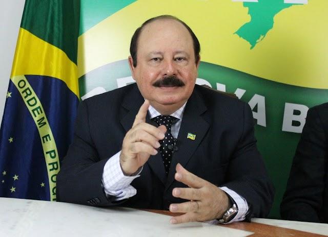 Morre Levy Fidelix, presidente do PRTB, aos 69 anos em São Paulo.