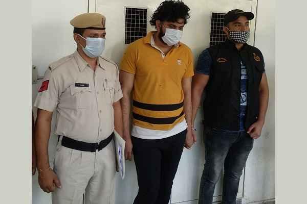 faridabad-news-in-hindi-cia-sector-30-arrested-criminal-ravinder-nagla