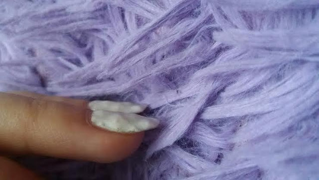 jak-zrobic-paznokcie-hybrydowe-pomysl-na-pikowany-wzorek-wypukly-3d-krok-po-kroku-biel-nude-nudziak