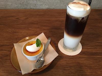 三軒茶屋にあるCafe Obscura(カフェ オブスキュラ)のコーヒーとクレームブリュレ