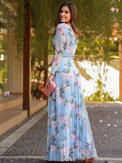 o longo azul claro de manga longa com estampa floral