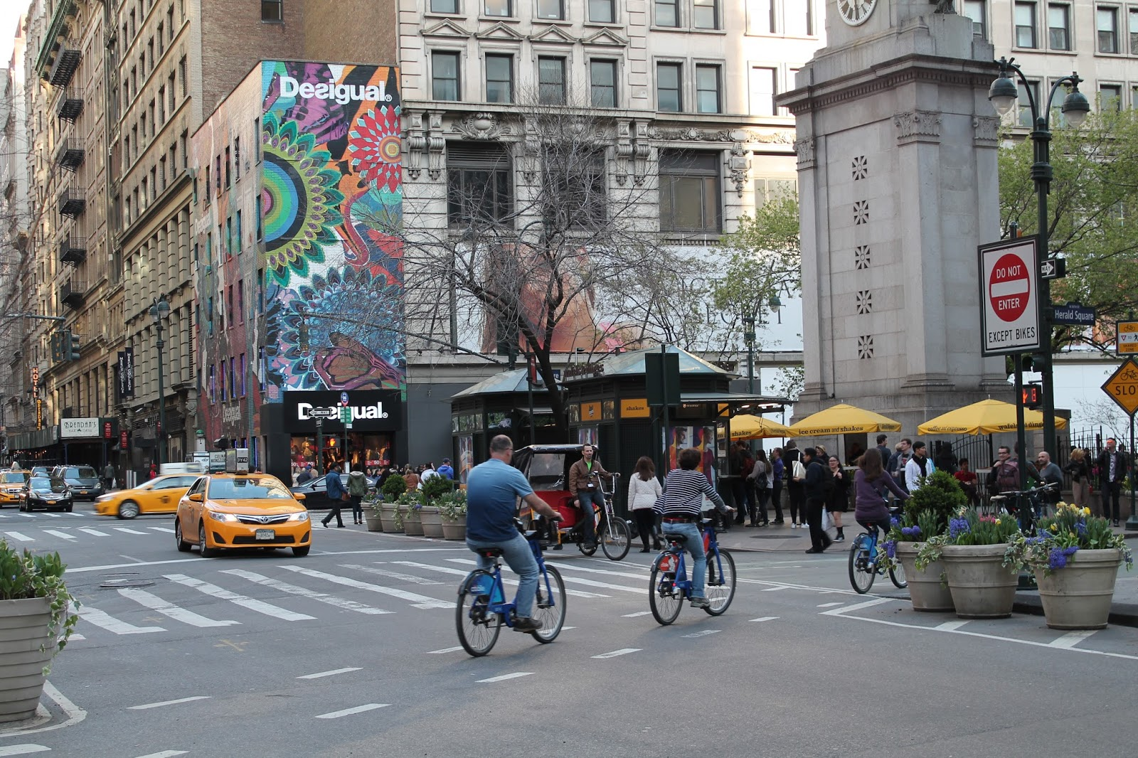 usa, nyc, new york, city, empire state building, top, vue, panorama, panoramique, coucher de soleil, sunshine, soleil, voyage, trip2live, road trip, holidays, airbnb, ceetiz, desigual, herald square