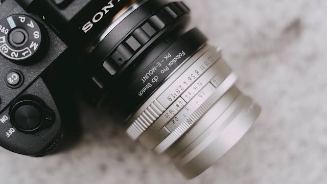 Adaptor Peregangan Fotodiox untuk Fokus Dekat dengan Kamera Sony dan Lensa Pentax