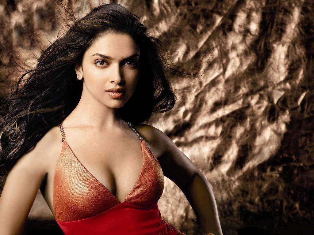Bollywood Heroine Deepika Padukone Hot Sexy Images Rare -8243
