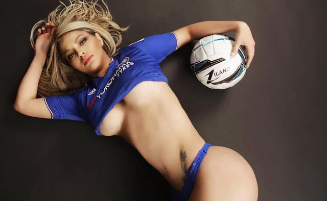 Foto Jessica Lopes Pendukung Seksi Chelsea