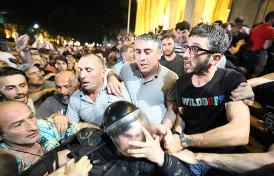 о причине акций в Тбилиси и требованиях протестующих