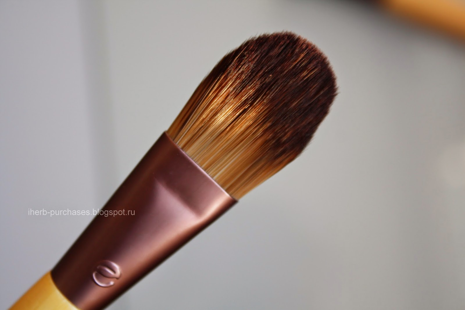 EcoTools, Bamboo Foundation Brush