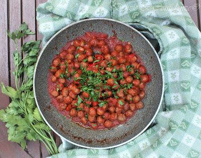 Polpettine (mini) al sugo con peperoni rossi