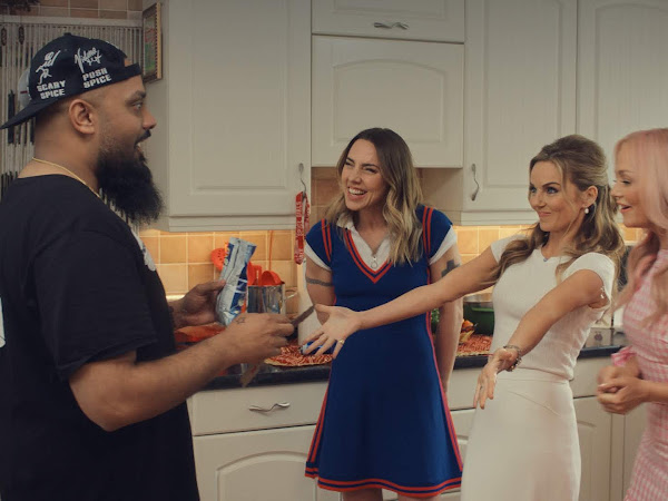 AD | 90s Nostalgia With The Spice Girls And Walker's Crisps | Who Would I Share My Walker's With? | Unveiling The New Advert!