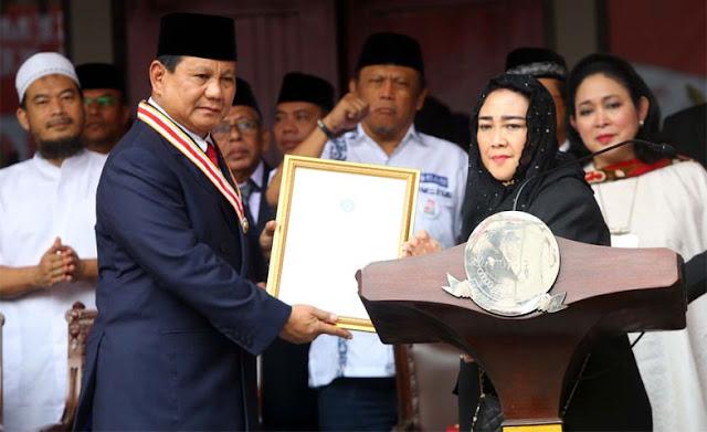 Rachmawati Soekarnoputri Beri Penghargaan The Star of Soekarno ke Prabowo Subianto