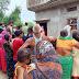 गंगा नदी से शव निकला तो फफक पड़े परिजन, दरवाजे पर लगा ग्रामीणों का तांता