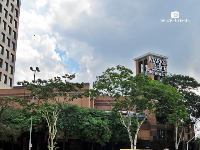 Vista da fachada do Shopping Market Place - Vila Cordeiro - São Paulo