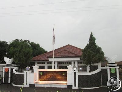 FOTO 1 : Kantor Desa Sadawarna, Kecamatan Cibogo