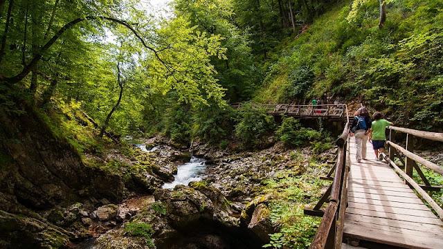 Pemandangan Taman Nasional Triglav di Slovakia yang masih asri dan alami
