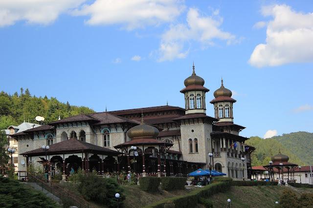 Казино – архитектурный памятник курорта Слэник Молдова, построенный в 1894 г.