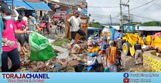 Prihatin Melihat Kota Makale yang Dipenuhi Sampah, Tim Theo-Zadrak Turun Tangan