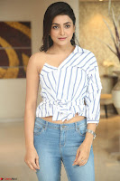 Avantika Mishra in Jeans and Off Shoulder Top ~  Exclusive 23.JPG