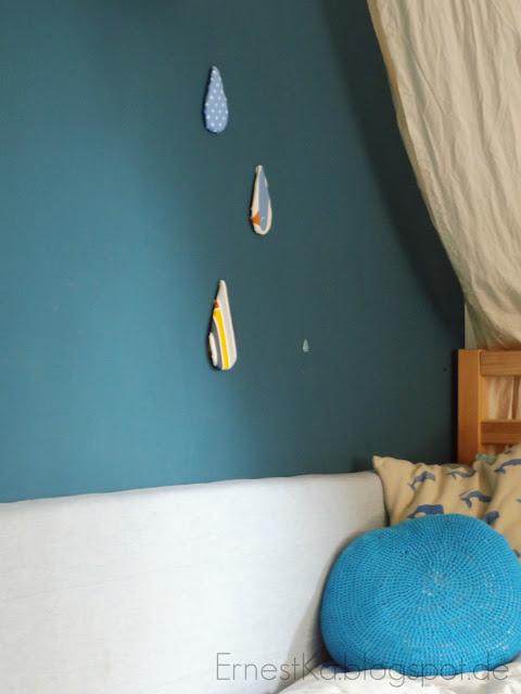 ernestka deko im kinderzimmer bunte tropfen f r die wand. Black Bedroom Furniture Sets. Home Design Ideas
