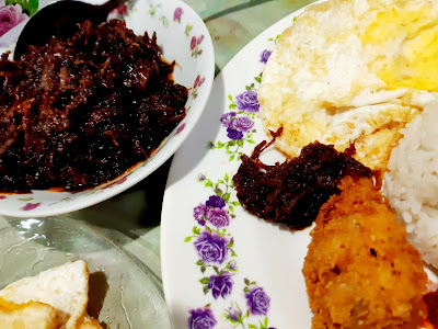 Breakfast Nasi Lemak Homemade Dengan Dendeng Daging