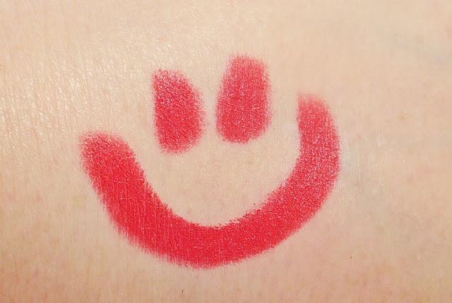 mirabella-masquerade-holiday-crimson-modern-matte-lipstick-swatch