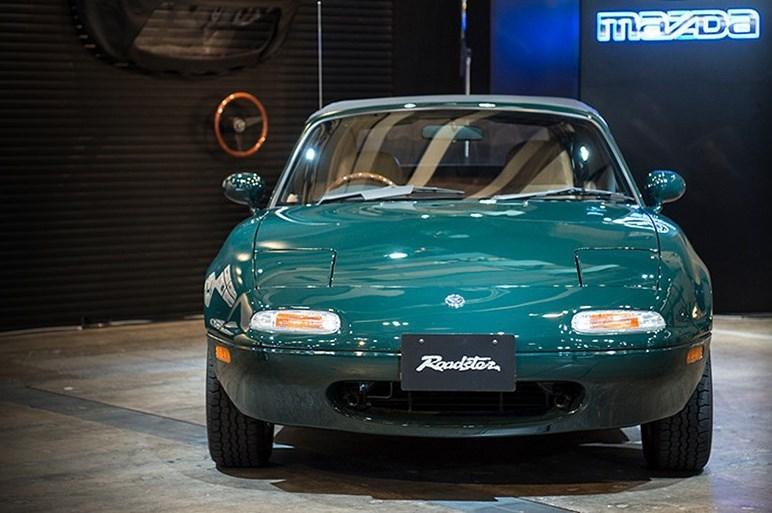 [Image: mazda_roadster_restore.jpg]