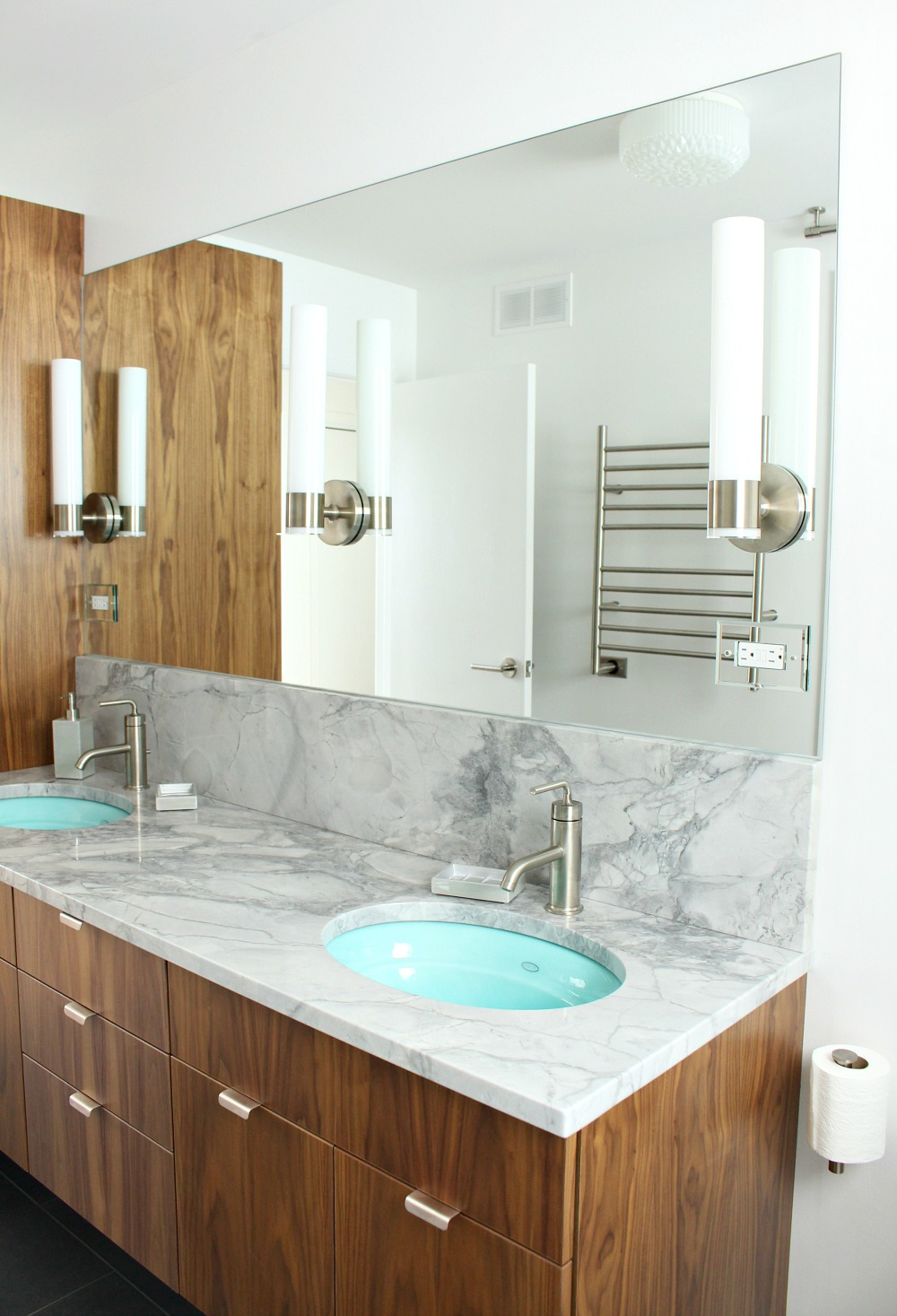 How to Design a Bathroom You Love | Dans le Lakehouse