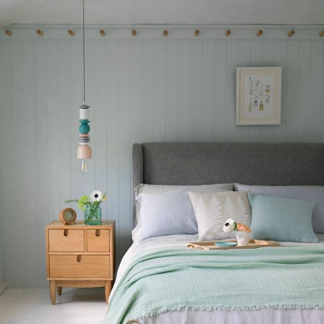 ide kamar tidur kecil dengan rel pasak