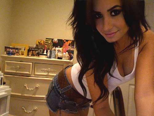 Sexiest Teen Women Celebrities Alive 2012 Demi Lovato Posing Sexy