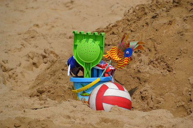 5 Must Have Toys For Your Next Family Trip, beach tools