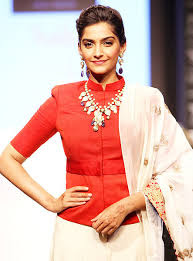 sonam kapoor told to the audience