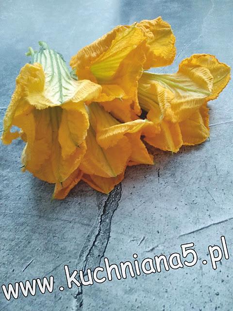 kwiaty dyni w cieście naleśnikowym