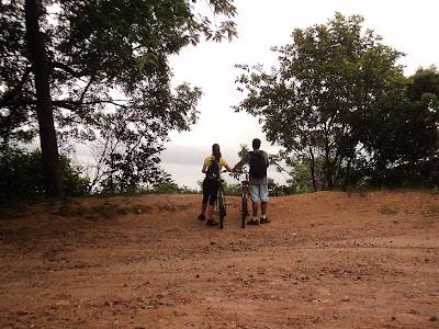 ilha grande, estrada de dois rios, trilha, bike, lama, trilha, vila de abraão até dois rios