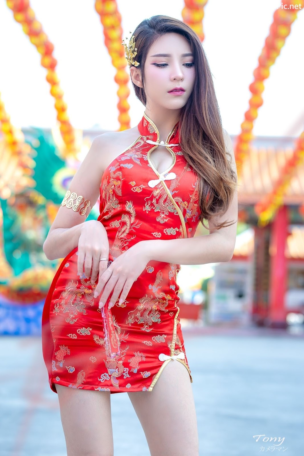 Image-Thailand-Hot-Model-Janet-Kanokwan-Saesim-Sexy-Chinese-Girl-Red-Dress-Traditional-TruePic.net- Picture-7