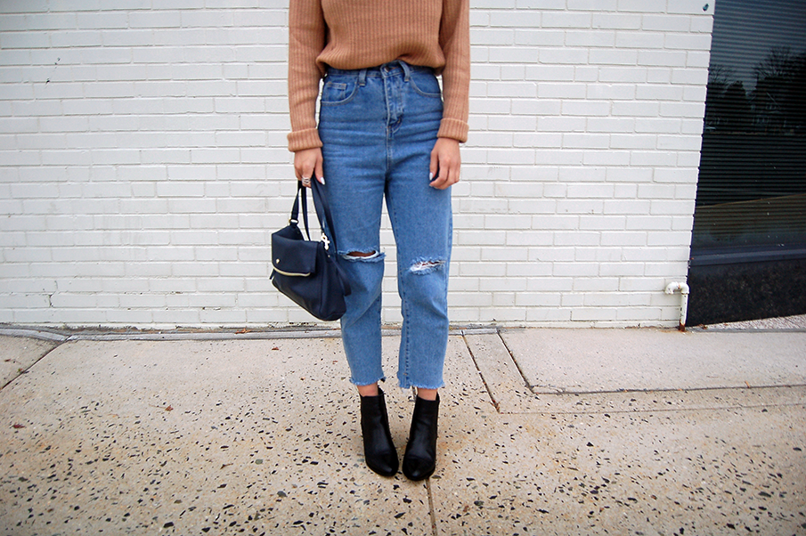 Mom Jeans Black Boots