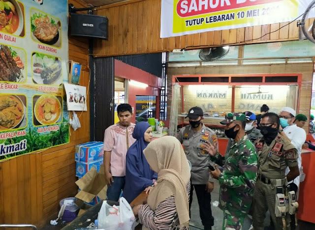 Jam Jelang Buka Puasa, Aparat Gabungan Di Aceh Barat Terus Galakkan Operasi Yustisi Di Sejumlah Lokasi