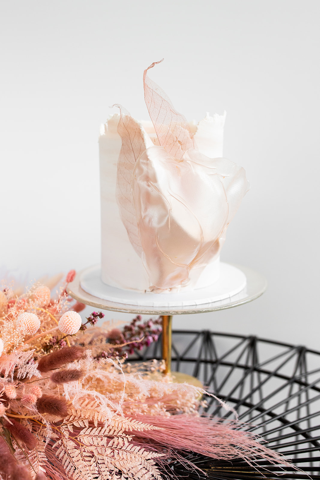 gold coast wedding cakes camilla kirk photography