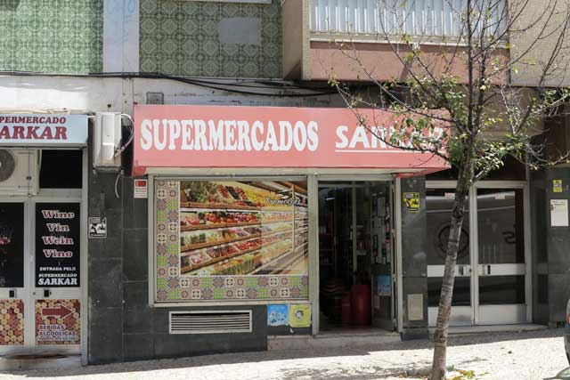 Mini Mercados in Lisbon
