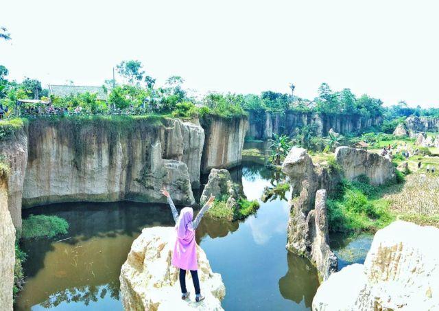 Kandang Gozilla, Tempat Wisata Murah di Dekat Jakarta
