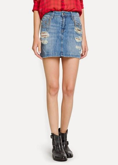 http://www.mangooutlet.com/ES/p0/mujer/prendas/faldas/minifalda-denim-cadenas/