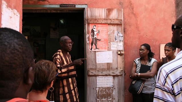 Culture, histoire, personnage, Gorée, maison, esclave, Boubacar, Joseph, Ndiaye, conteur, concervateur, mémoire, noir, trésor, patrimoine, LEUKSENEGAL, Dakar, Sénégal, Afrique