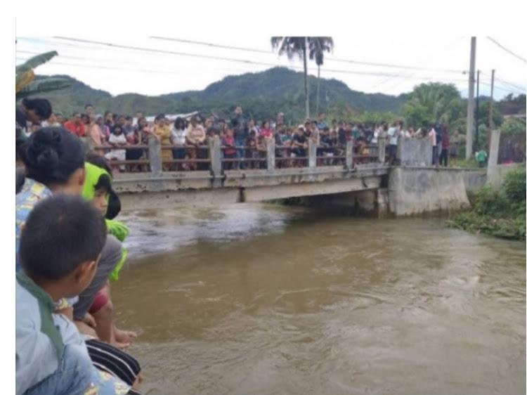 Tim SAR Gabungan Temukan Jenazah Ridho Gultom Yang Hanyut Terseret Arus Sungai Sarudik