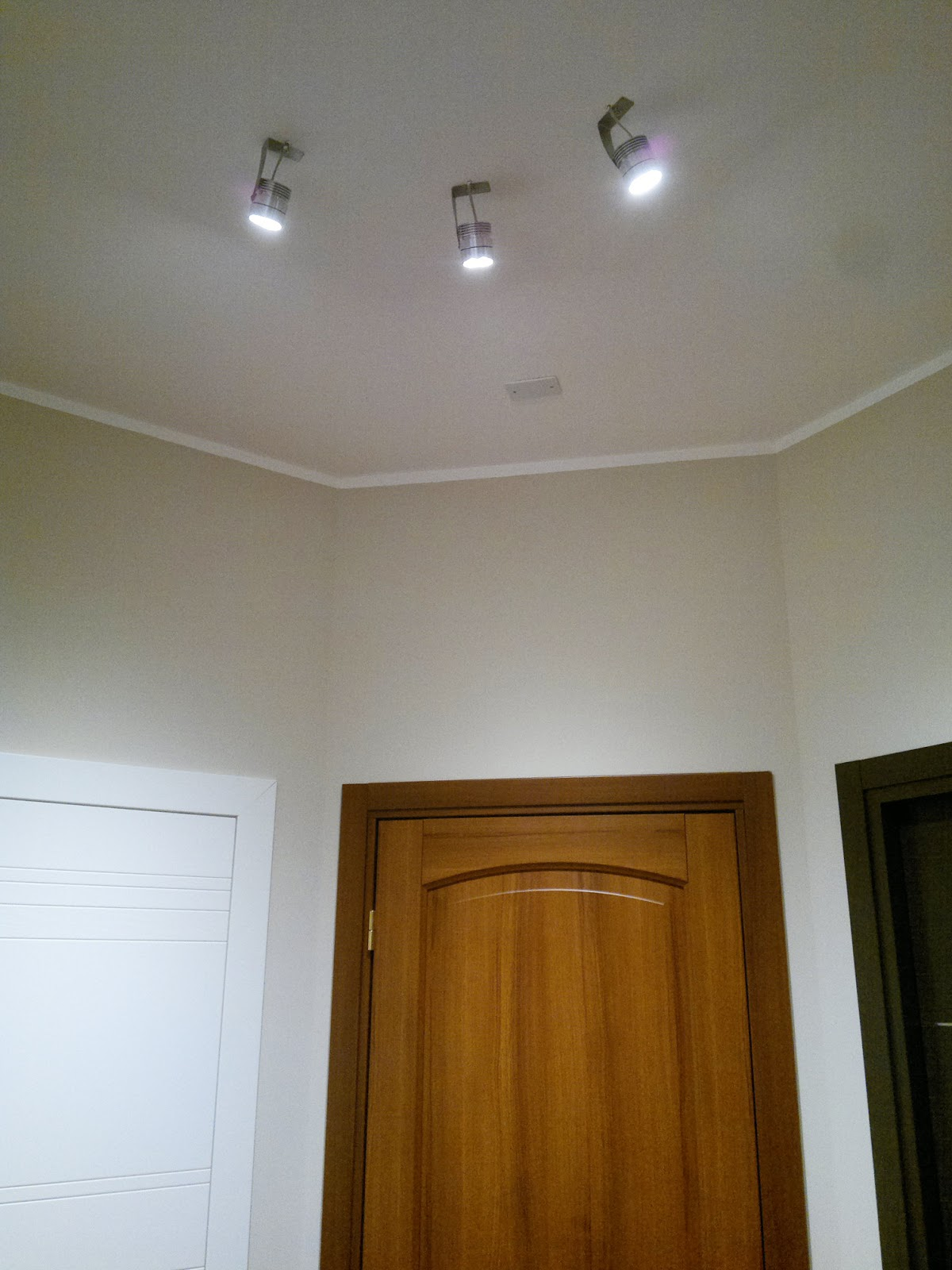Illuminazione led casa illuminare a led gli ambienti con for Luci led per casa