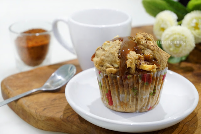 Apple Muffin With Dulce De Leche Filling
