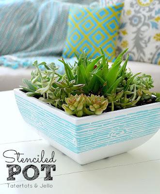 decorare un vaso con gli stencil