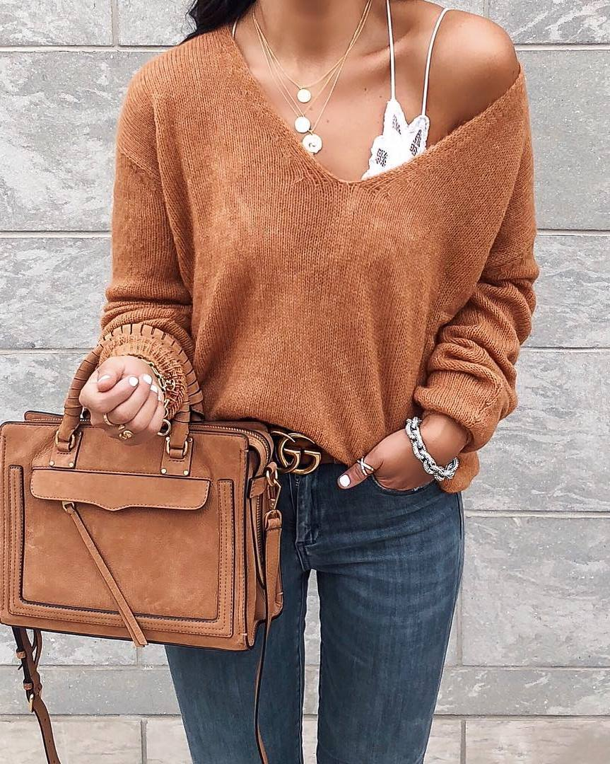 cool outfit idea for this fall / brown one shoulder sweater + bag + skinny jeans
