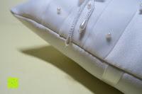 seitlich: Hochzeit Ringkissen Kissen mit Faux Perle Blume Satin Elfenbein 20cm*20cm ---Ivory