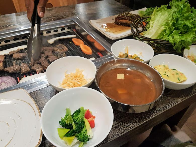晚餐的韓式烤肉