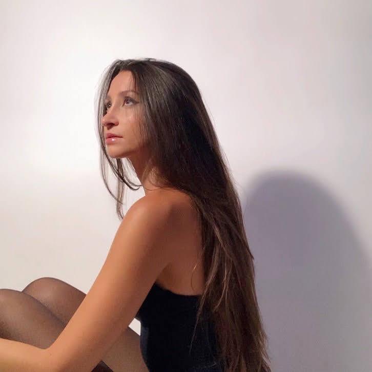 Lauren Kolodin  biography
