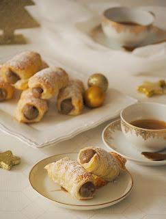 Canutillos de hojaldre rellenos de crema de café